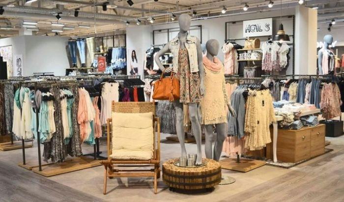 3e19caba0d49 По сути, вы привлекаете клиентов брендами, особенно если это женская одежда,  но при этом не зависите от самих производителей, не подчиняясь их политике  и ...